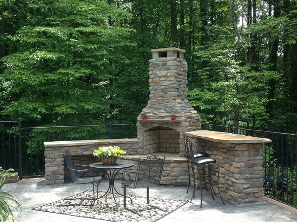 Fireplaces_OutdoorKitchens_Unique_Hardscapes_Kentucky_10