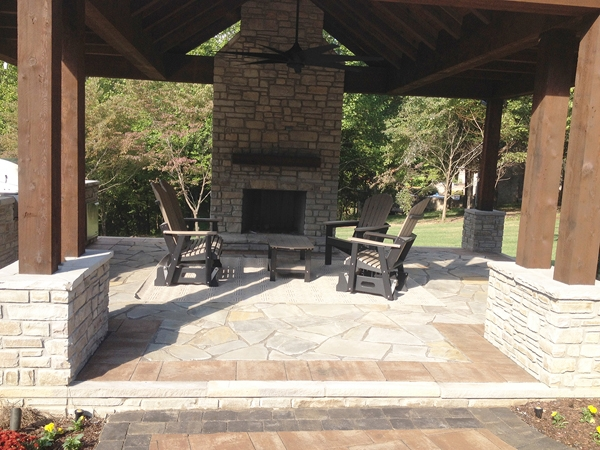 Fireplaces_OutdoorKitchens_Unique_Hardscapes_Kentucky_12