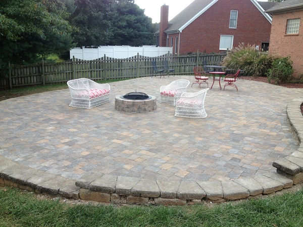 Fireplaces_OutdoorKitchens_Unique_Hardscapes_Kentucky_13