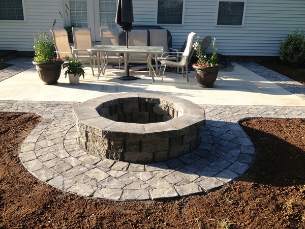 Fireplaces_OutdoorKitchens_Unique_Hardscapes_Kentucky_15