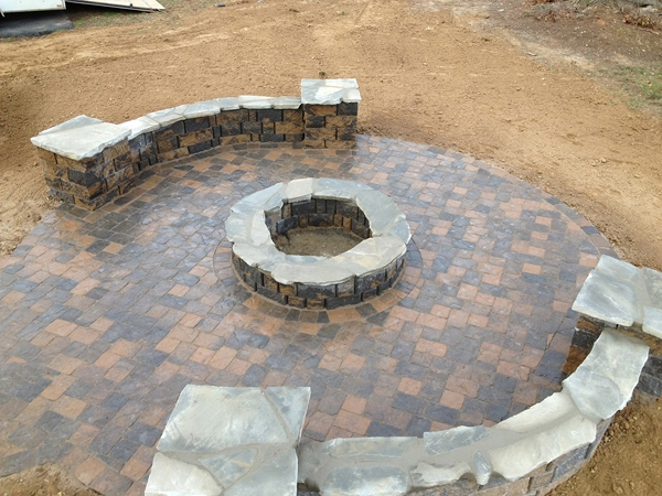 Fireplaces_OutdoorKitchens_Unique_Hardscapes_Kentucky_17