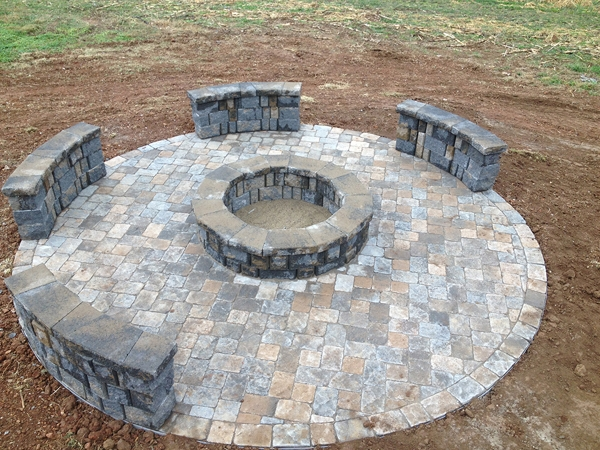 Fireplaces_OutdoorKitchens_Unique_Hardscapes_Kentucky_19