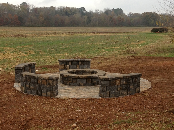 Fireplaces_OutdoorKitchens_Unique_Hardscapes_Kentucky_20