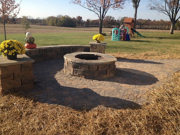 Fireplaces_OutdoorKitchens_Unique_Hardscapes_Kentucky_21