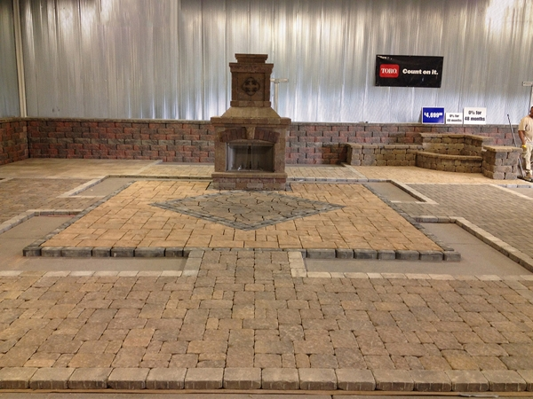 Fireplaces_OutdoorKitchens_Unique_Hardscapes_Kentucky_23