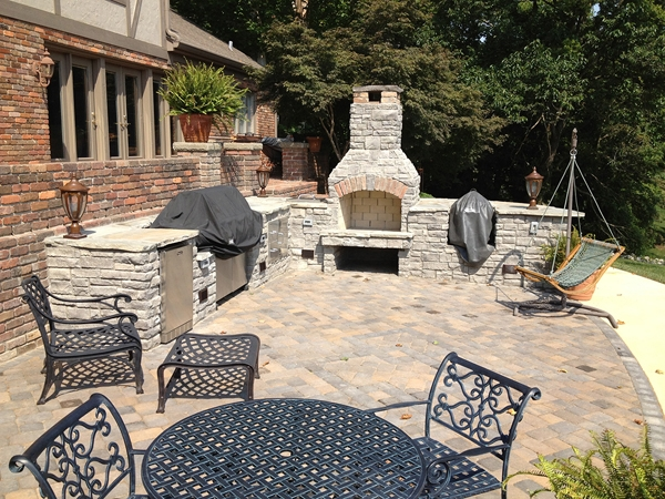 Fireplaces_OutdoorKitchens_Unique_Hardscapes_Kentucky_24
