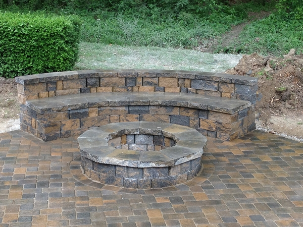 Fireplaces_OutdoorKitchens_Unique_Hardscapes_Kentucky_26