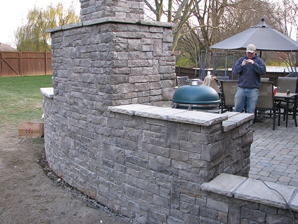 Fireplaces_OutdoorKitchens_Unique_Hardscapes_Kentucky_4