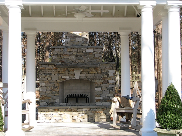 Fireplaces_OutdoorKitchens_Unique_Hardscapes_Kentucky_6