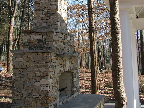 Fireplaces_OutdoorKitchens_Unique_Hardscapes_Kentucky_8