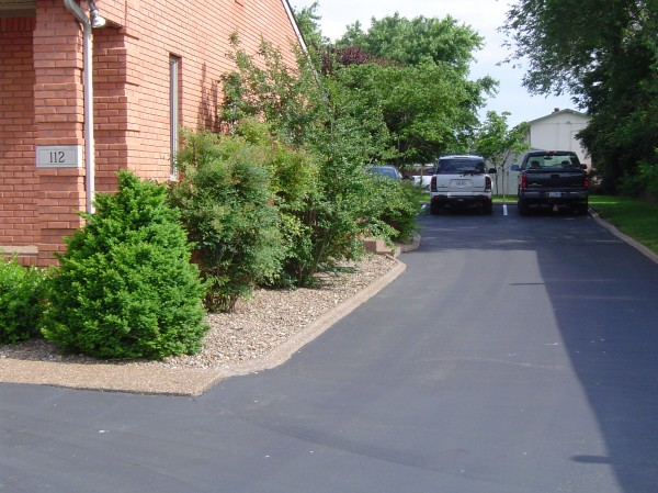 Landscaping_Curbing_Unique_Hardscapes_Kentucky_12