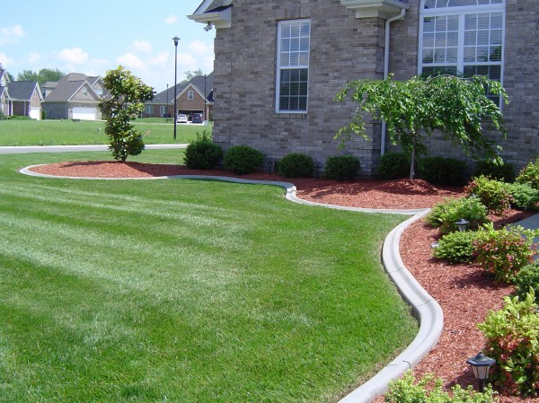Landscaping_Curbing_Unique_Hardscapes_Kentucky_20