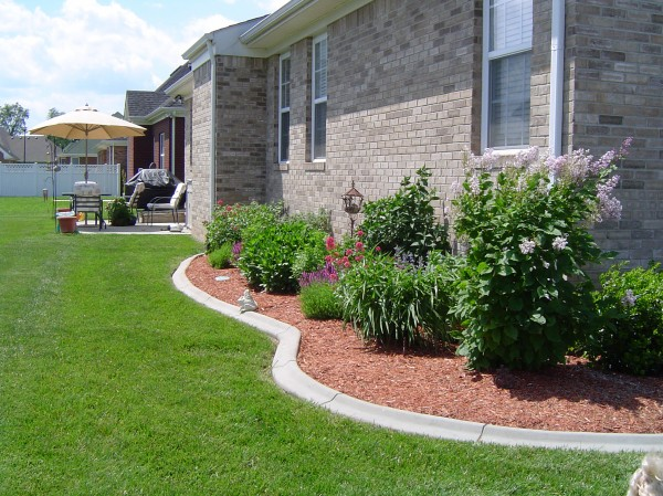 Landscaping_Curbing_Unique_Hardscapes_Kentucky_21