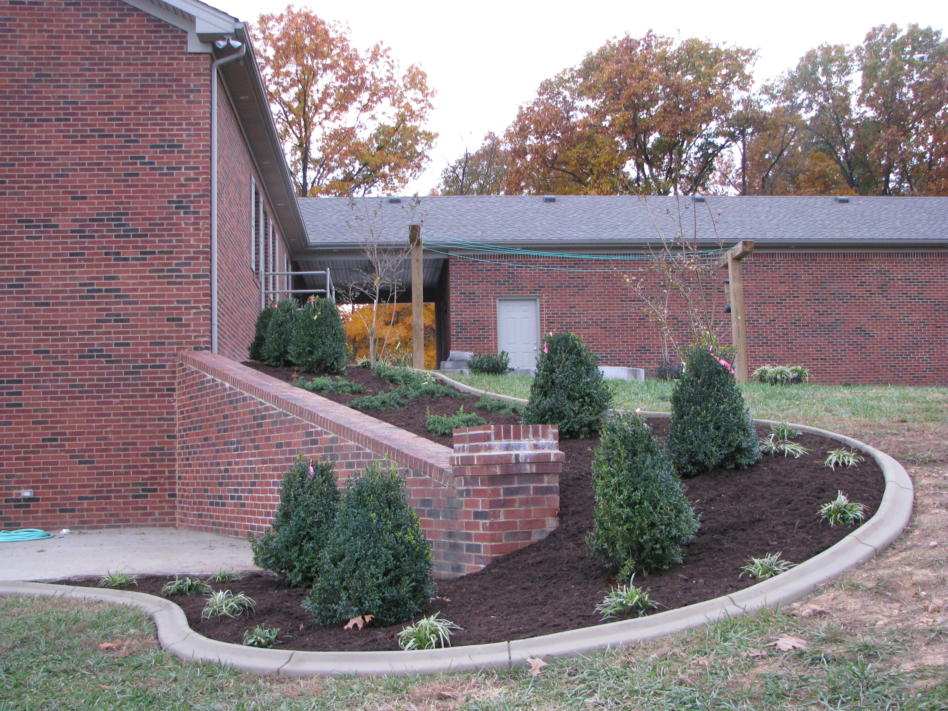 Landscaping_Curbing_Unique_Hardscapes_Kentucky_28