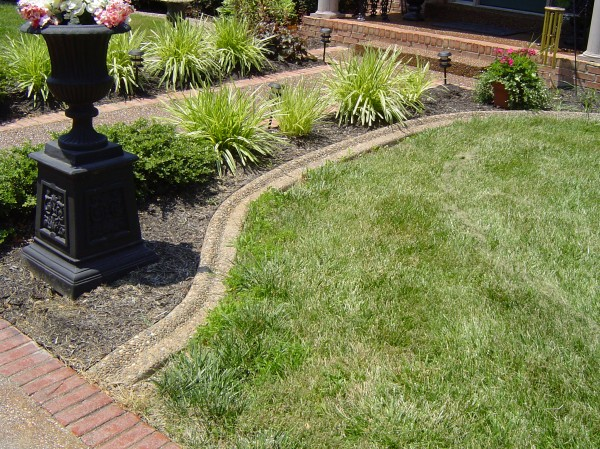 Landscaping_Curbing_Unique_Hardscapes_Kentucky_4