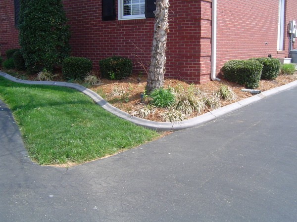 Landscaping_Curbing_Unique_Hardscapes_Kentucky_5
