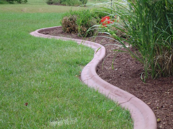 Landscaping_Curbing_Unique_Hardscapes_Kentucky_8