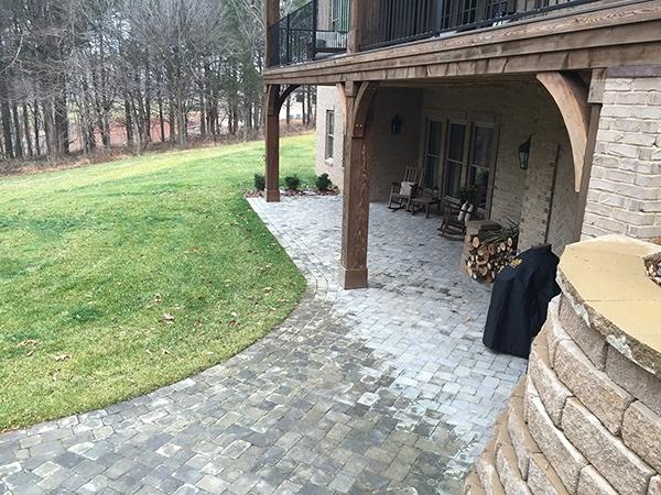 Patio_Walkway_Unique_Hardscapes_Kentucky_82