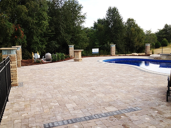 Pool_Unique_Hardscapes_Kentucky_31