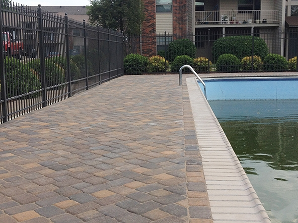 Pool_Unique_Hardscapes_Kentucky_38