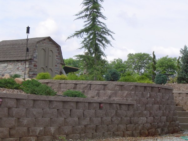 Unique Hardscapes stone retaining wall