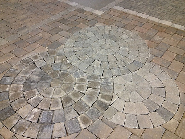 unique_hardscapes_kentucky_patio_walkway1_600